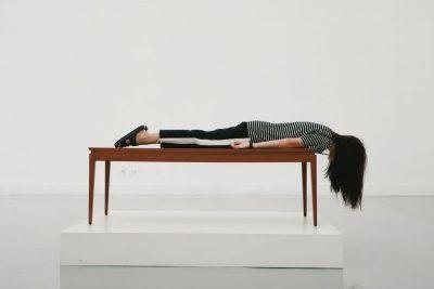 אישה, ישנה, שינה, שולחן
