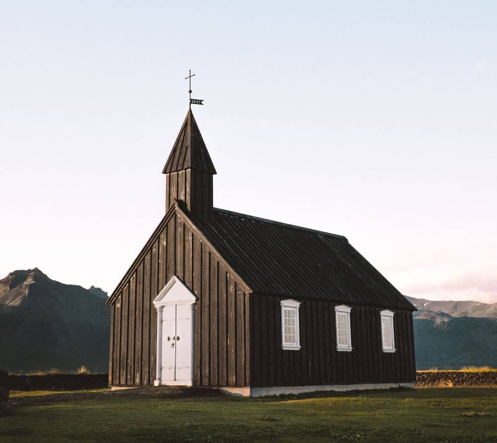 כנסייה, איסלנד