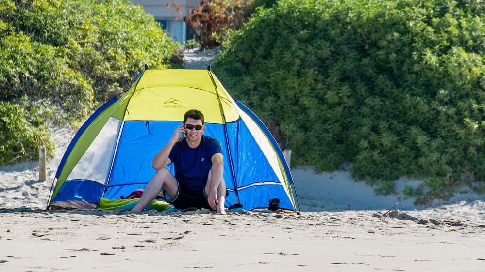 תא טלפוו, חוף הים, אוהל, סלולרי