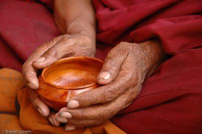 קערה, נזיר טיבטי