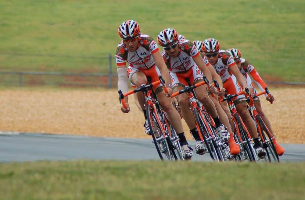 רוכבי אופניים, קבוצה