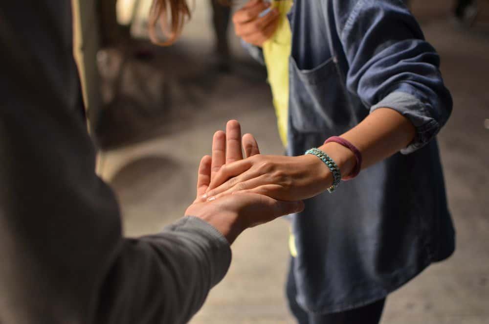 ידיים, להחזיק, עזרה