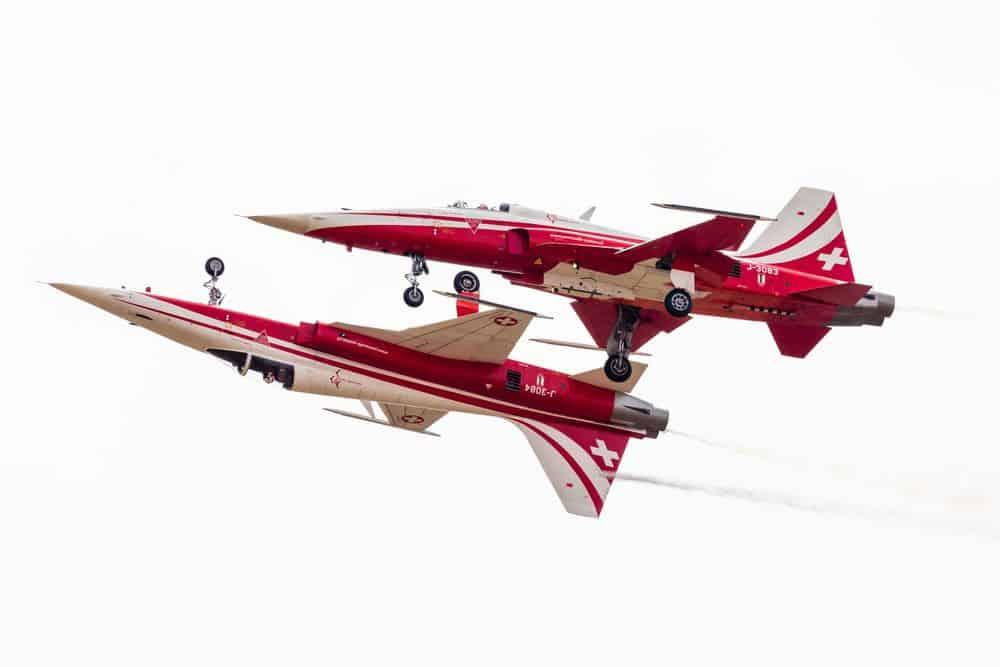 מטוסים, אווירובטיקה, טיסה הפוכה
