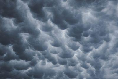 עננים שחורים
