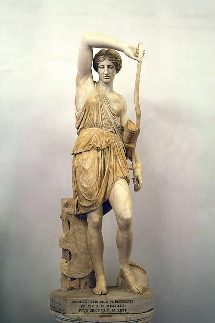 אמזונה פצועה, פסל שיש