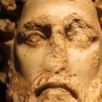 פסל ראש, יוון, עתיק, סדקים