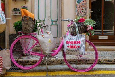 אופניים ורודים, חלומות גדולים