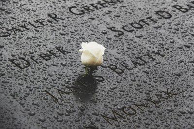 אנדרטה, ורד לבן, 11 בספטמבר