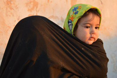 תינוקת, פליטים, איראן, אפגניסטן