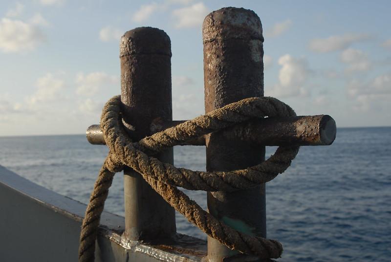 איי הבתולה, חבלים, מזח, מעבורת