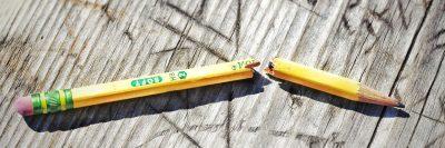 עיפרון, עיפרון שבור, מוחק