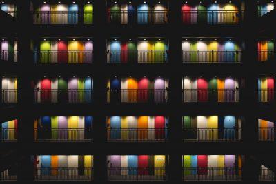 דלתות, צבעים, אורות