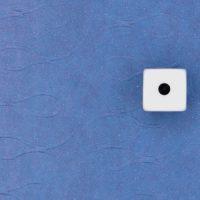 קוביות, רקע כחול, פייסבוק