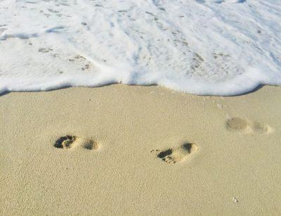 עקבות, חול, ים, קצף