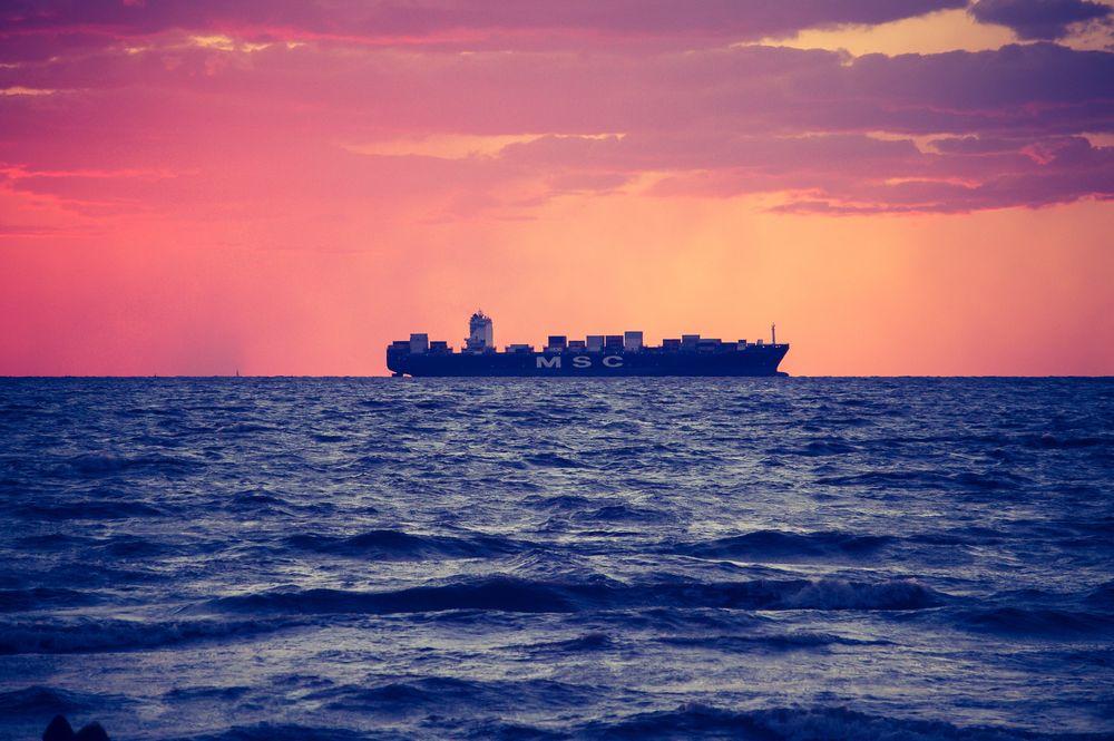ספינה, מכולות