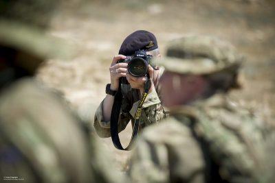 צלם צבאי, עיתונאי צבאי