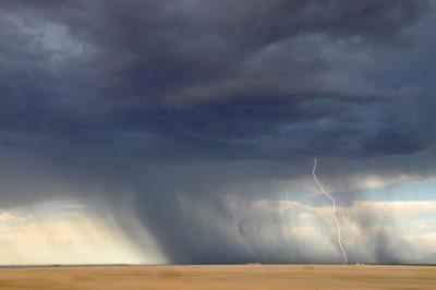 טורנדו, סערה, עננים