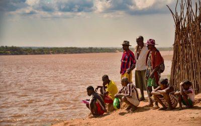 המתנה, מחכים, ספינה, מדגסקר