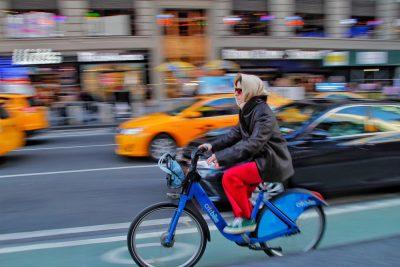 אופניים, אישה, מנהטן