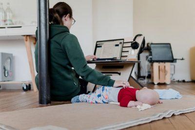 אמא, עבודה, תינוק