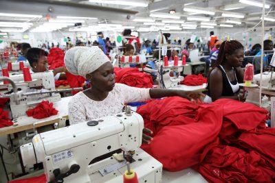 נשים, מפעל, עבודה, טקסטיל, אקרה, גאנה