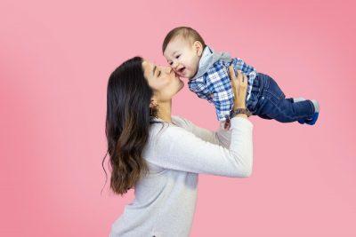 אימא, תינוק, נגיעה, חיבוק, נשיקה