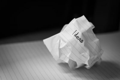 נייר מקומט, רעיונות, כתיבה