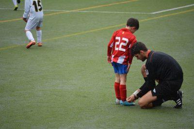 כדורגל, שרוכים, ילד, שופט, עזרה