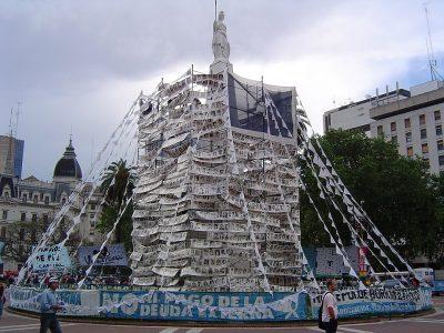 פירמידת מאי, בואנוס איירס, נעדרים, ארגנטינה, משטר צבאי
