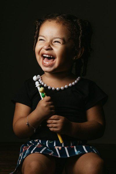 ילדה, צחוק, שמחה