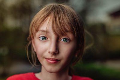 נערה, שבדית