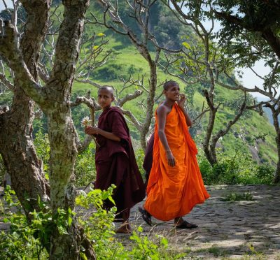 נזירים, בודהיזם, סרי לנקה