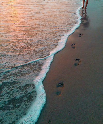 עקבות, ים, הליכה