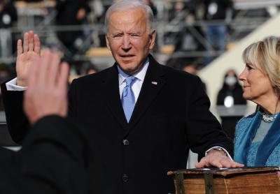 """ג'ו ביידן, ד""""ר ג'יל ביידן, השבעה, נשיאות"""