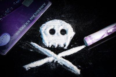 קוקאין, התמכרות, סמים קשים