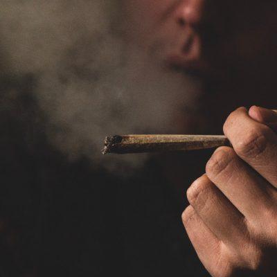 גראס, סמים, תלות, עישון
